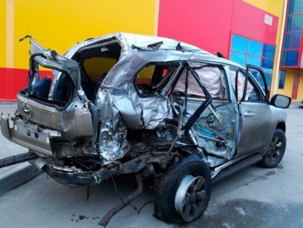 «Убитый» всмятку автомобиль долгие месяцы стоял на улицах Волжского