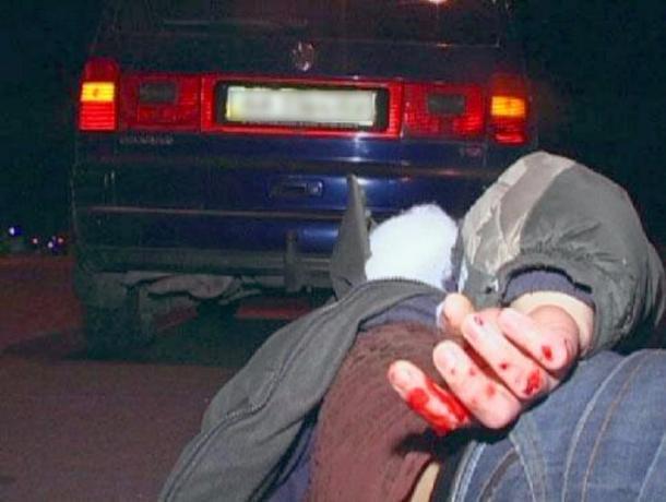 19-летний мажор на дорогом внедорожнике сбил 18-летнего парня рядом с администрацией Волжского