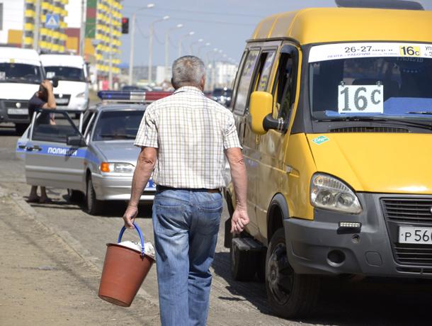 Юнец на иномарке наехал на 58-летнего пешехода в Волжском