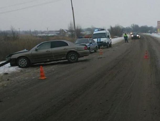 Влобовом столкновении Хёндай Getz иВАЗа под Волгоградом умер шофёр