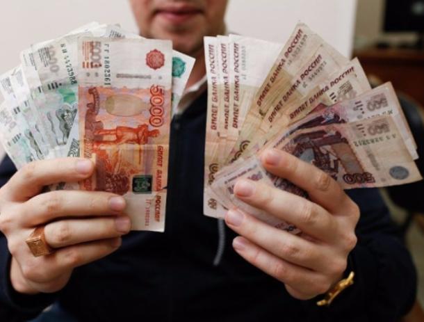 Чиновника контрольного управления мэрии Волжского заставили вернуть государству все полученные взятки