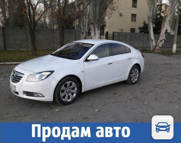 В Волжском продают белоснежный Opel