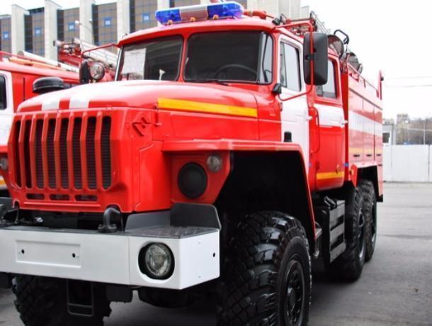Граждане пригорода Волгограда из-за пожара остались без бани игаража савтомобилем