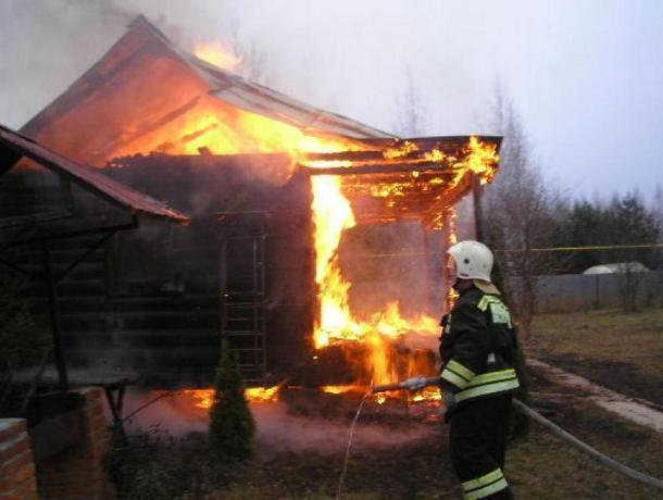 В последний день июля в Волжском зафиксировано два пожара