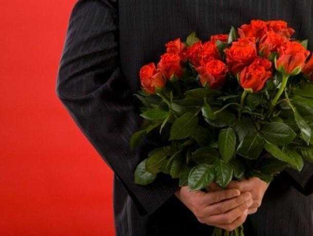 Дума Волжского закупает цветы на сто тысяч