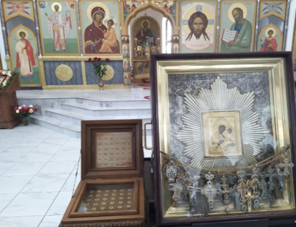 «Избавительница от бед» и ковчег с мощами прибыли в Среднюю Ахтубу