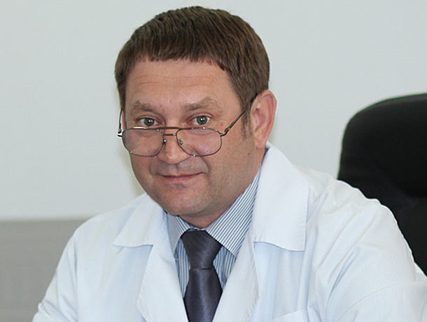Главврач 3-й больницы Дмитрий Шипунов оказался самым бедным депутатом облдумы из Волжского