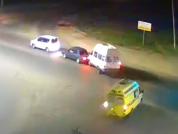 Удачливая «скорая» в Средней Ахтубе ехала за участниками аварии