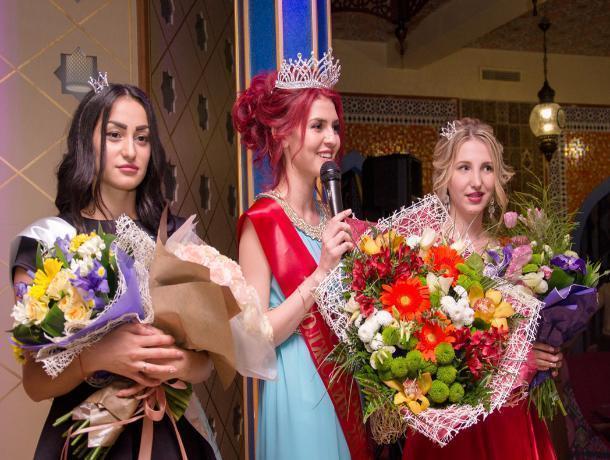 Спасибо за высокий уровень организации конкурса, - финалистки «Мисс Блокнот Волжского-2017»