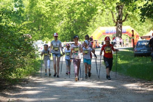 В  Волжском пройдет мастер-класс по скандинавской ходьбе