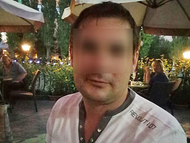 Тиран зверски избил жену ее же каблуками за то, что она поймала его с другой в Волжском