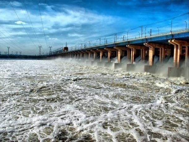 На Волжской ГЭС увеличили среднесуточный сброс воды