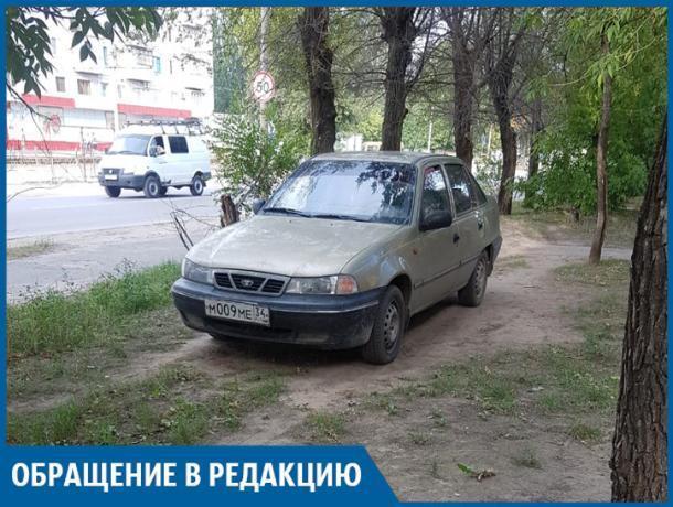 Автохам с участковым наплевали на жильцов на Горького, - волжанка