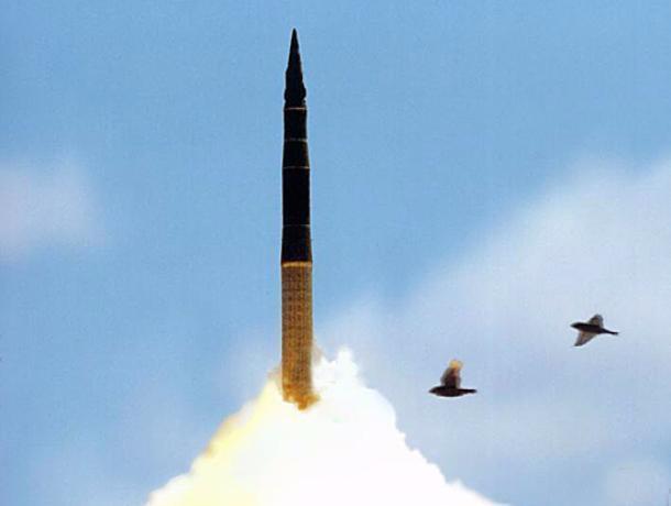 В Российской Федерации проведен испытательный запуск межконтинентальной ракеты «Тополь»