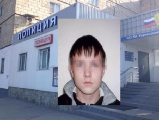 Борзый паренек из Волжского решил обокрасть предпринимательницу на дорогой иномарке