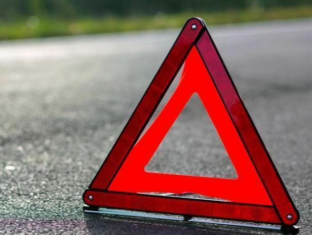 Подкралась незаметно: молодая автоледи въехала в попутную иномарку