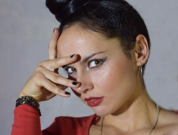 Не имей 100 рублей, а имей 100 друзей, - зажигательная брюнетка Юлия Майер, участница конкурса «Мисс Блокнот Волжский-2017»