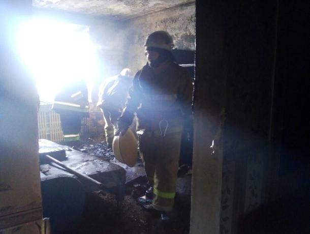 В Волжском за сутки горели три жилых дома
