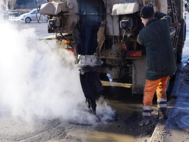 В Волжском мартовский ямочный ремонт провели на 18 улицах