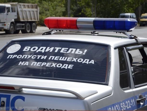 ВВолжском автомобиль «Рено» наехал на4-летнюю девочку