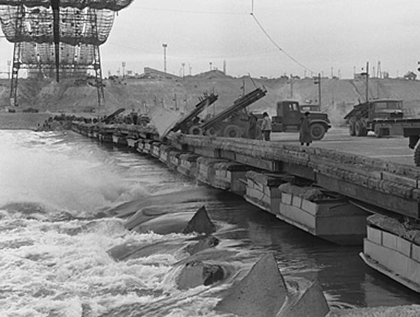Календарь Волжского: 12 октября приняли все сооружения ГЭС