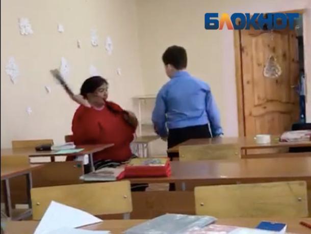 ВВолгоградской области учительница избила пятиклассника егоже ремнем