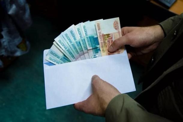 Бывший замглавы администрации поселка Средняя Ахтуба Соколов заказал коттедж за свою подпись