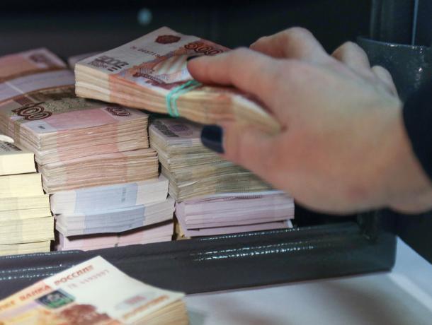 Молодая начальница почты в Среднеахтубинском районе похитила из кассы 500 тысяч рублей