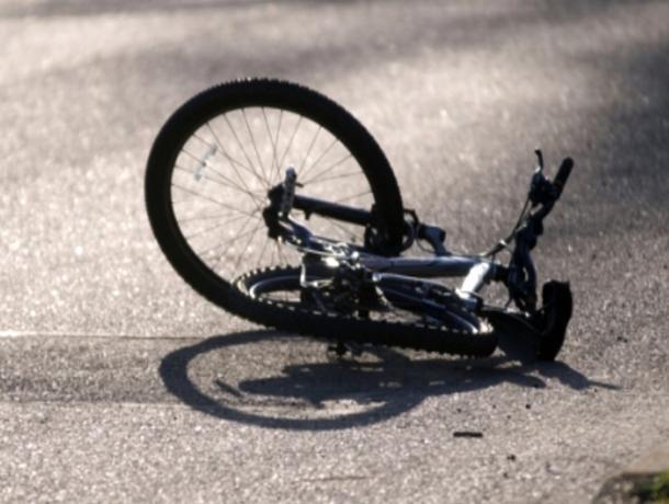 Отечественная «легковушка» сбила велосипедиста на улице Пушкина в Волжском