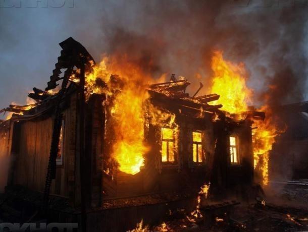 Из-за перекала печи в Волжском загорелся частный дом