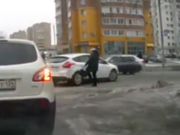 Пострадавшая волжанка прокомментировала потасовку с водителем