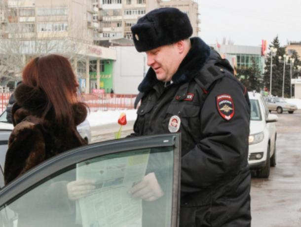 В Волжском автоледи останавливал «Цветочный патруль»