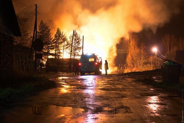 Два человека пострадали в пожарах под Волжским