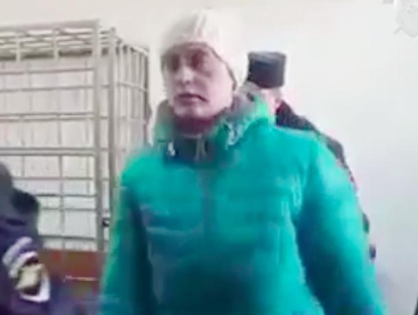 Молодая волгоградка своими руками задушила 9-месячного ребенка и выбросила его на помойку