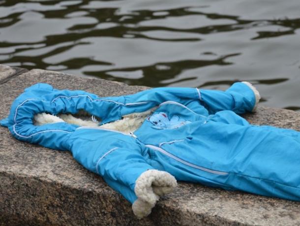 Мать утопила младенца в реке