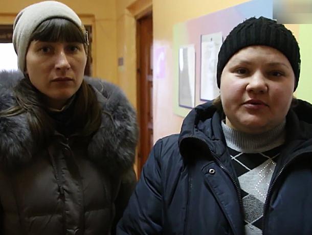 Скандал в детском саду Волжского: малышам устроили травлю, не пуская в группу