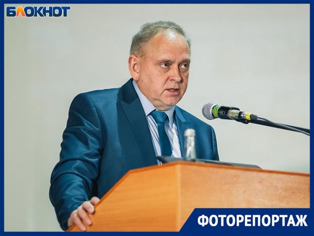Игорь Воронин отчитался перед волжанами за работу в 2018 году