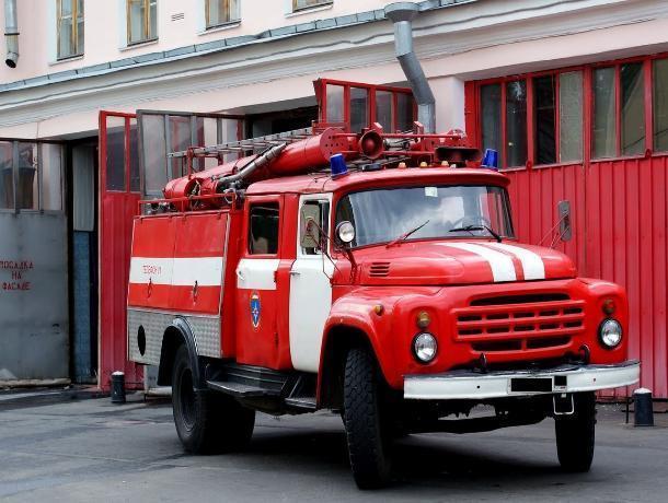 Волжан пригласили в кабину пожарной машины