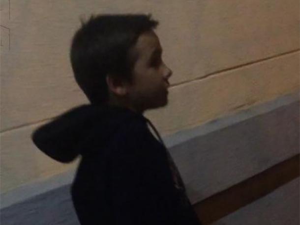 9-летний попрошайка гулял у «Спутника» и просил денег у прохожих, - волжанка