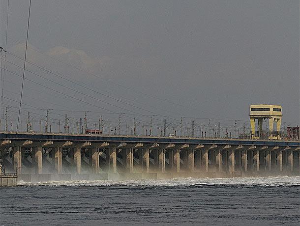 На Волжской ГЭС начался сброс по весенним нормам