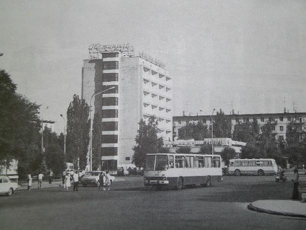 На архивных кадрах зафиксирован Волжский в свое десятилетие