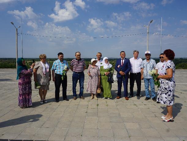 Жители Казахстана нашли в Волжском место захоронения своего родственника