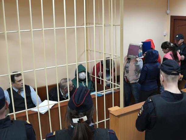 Трое волжан осуждены за кражу ста тридцати пяти миллионов рублей