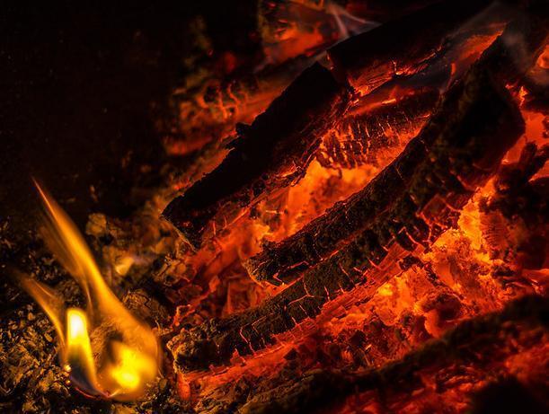 Неизвестный поджог дачный дом под покровом ночи