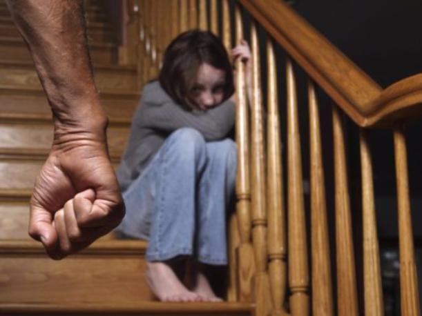 Пьяный отец изнасиловал 12-летнюю дочку в Волжском