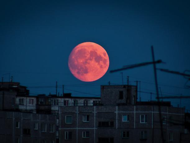 Кровавая луна посетит город Волжский
