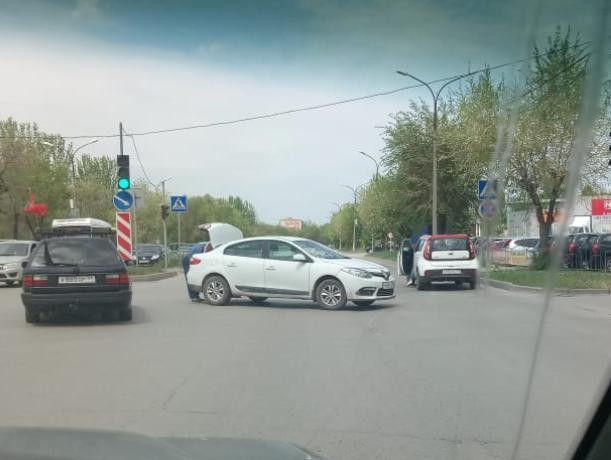 ДТП на перекрестке напротив «Планета-Лето»