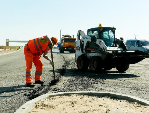 Ежедневно 300 рабочих строят развязки у моста через Ахтубу