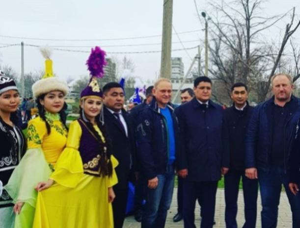 «Волжский – это одна большая семья», - Игорь Воронин побывал сегодня на празднике