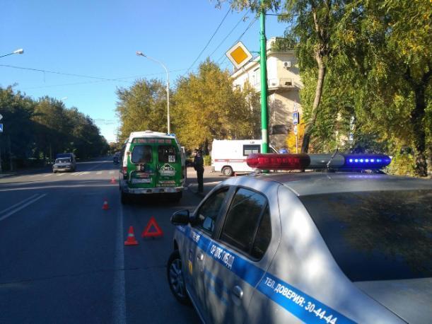 Комбо: в Волжском столкнулись две маршрутки